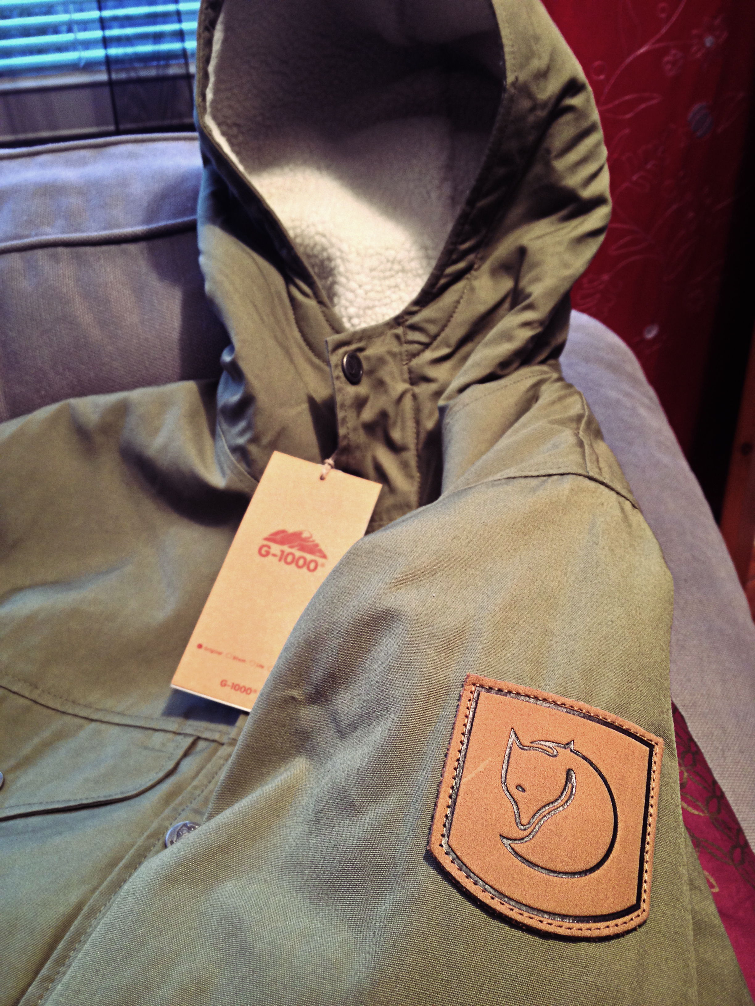 Köp den här: http://www.outnorth.se/fjallraven/greenland-womens-winter-jacket-m-green.php